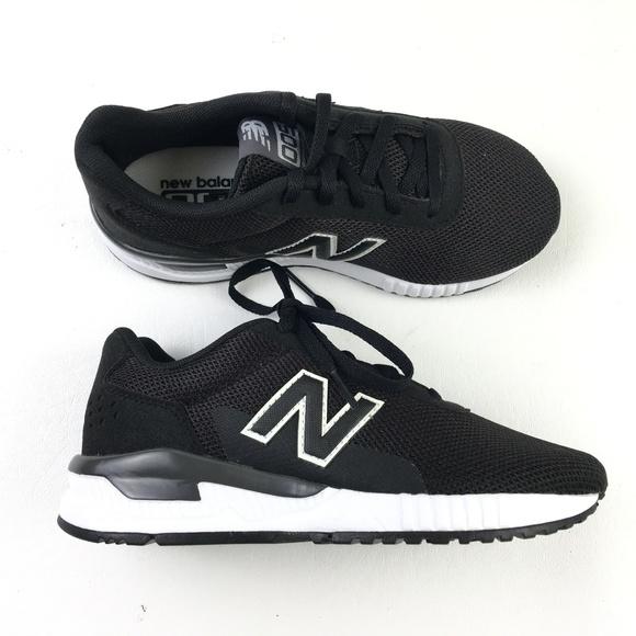 4b627d44 New Balance 005 Boys Sneakers DR02541 NWT